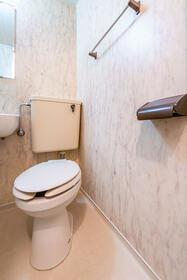 ラ・レジダンス・ド・ポローニア 0201号室のトイレ