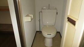 ブルージュ武蔵関 203号室のトイレ