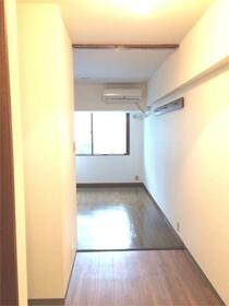 第3信和ビル 203号室の収納