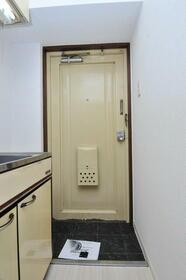 メゾン・ド・サペン 0107号室の玄関