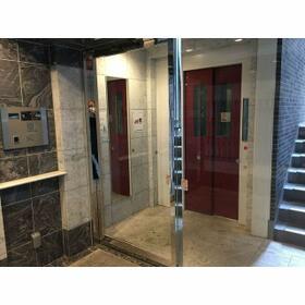 ルクレ西新宿(旧PARK SQUARE西新宿) 0504号室のエントランス