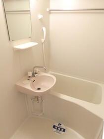 スカイコートヌーベル中村橋 302号室の風呂