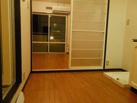 ドアーズフォー 101号室の居室