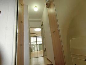 モナークマンション代々木上原 0105号室の玄関