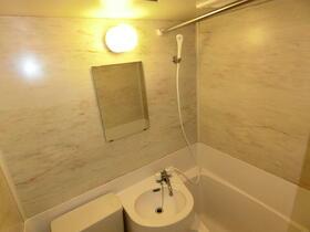モナークマンション代々木上原 0105号室の風呂