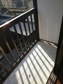 サンハープ浜田山 202号室のバルコニー
