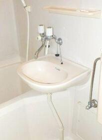 1410 101号室の洗面所