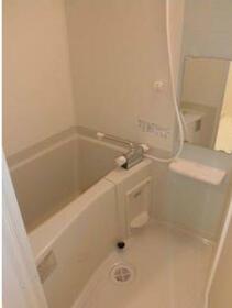 ライズ中野松が丘 205号室の風呂