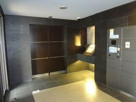 フェニックス新横濱エオール 309号室のエントランス