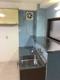 第3水野ビル 105号室のキッチン