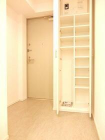 プライムアーバン笹塚 304号室の玄関