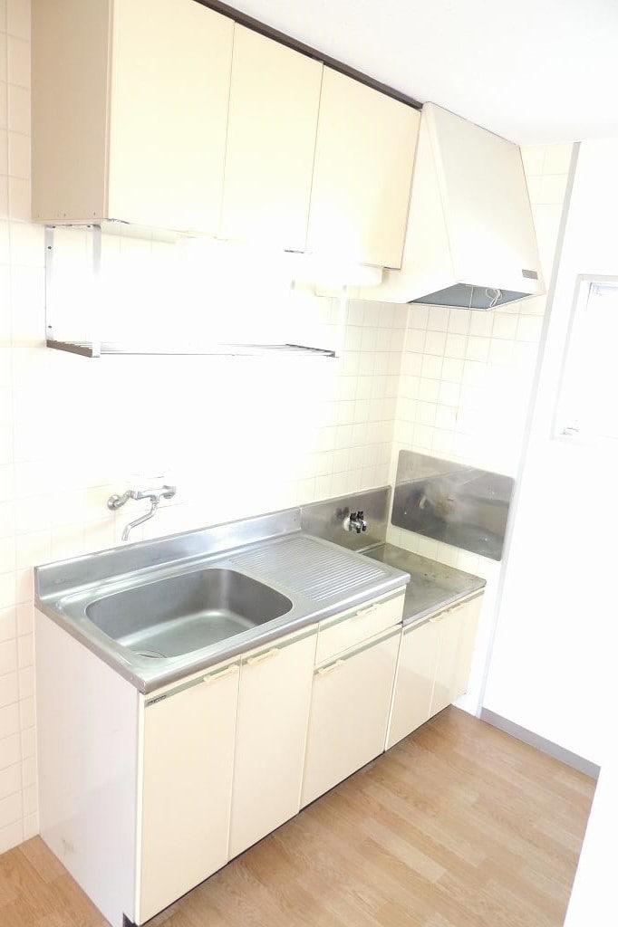エルディム藤村B 01020号室のキッチン