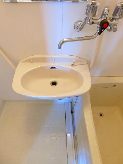 ウィングス21 02060号室の洗面所