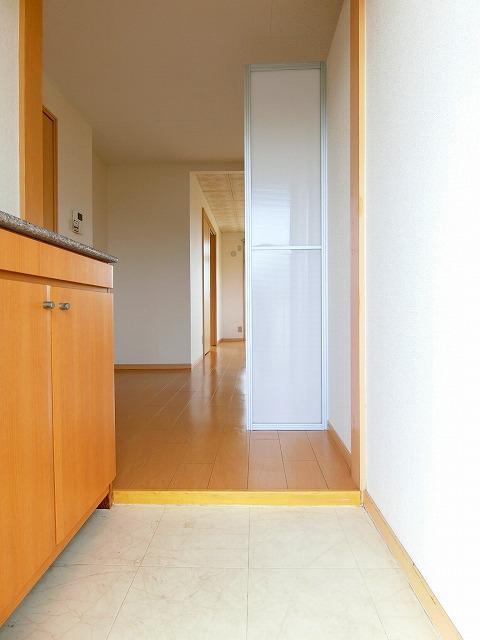 ウィングス21 02060号室の玄関