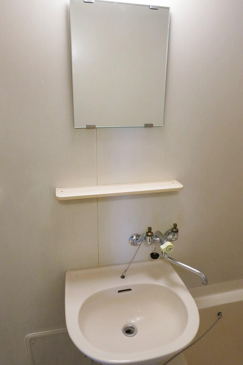 綿屋 01030号室の洗面所