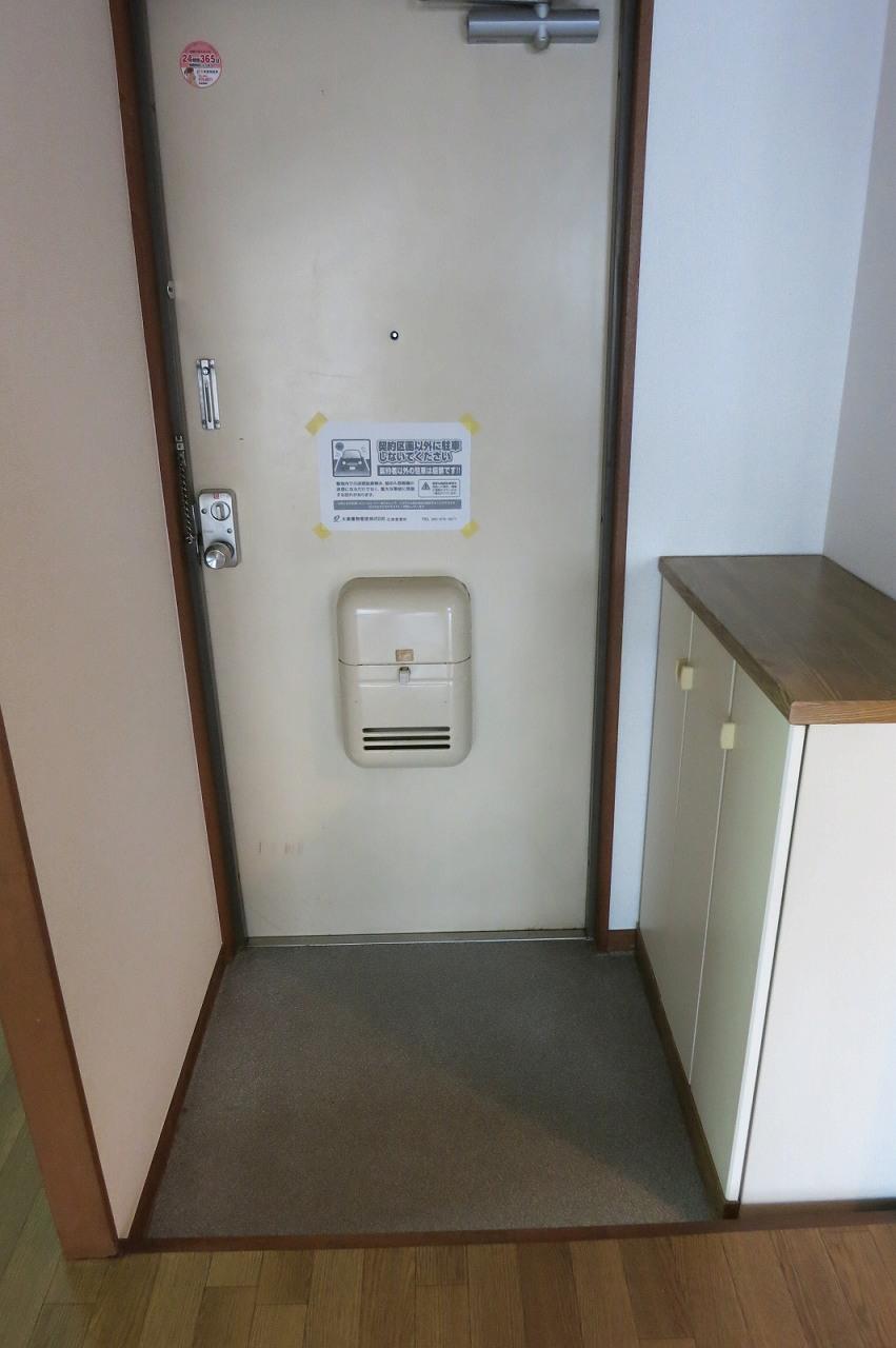 綿屋 01030号室の玄関