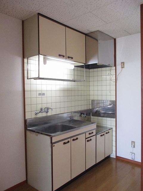 メゾンパストラルB 02010号室のキッチン
