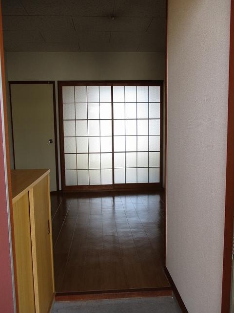 メゾンパストラルB 02010号室の玄関