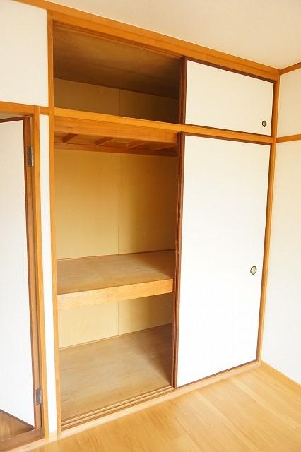 ハイム・トシ 01030号室の収納