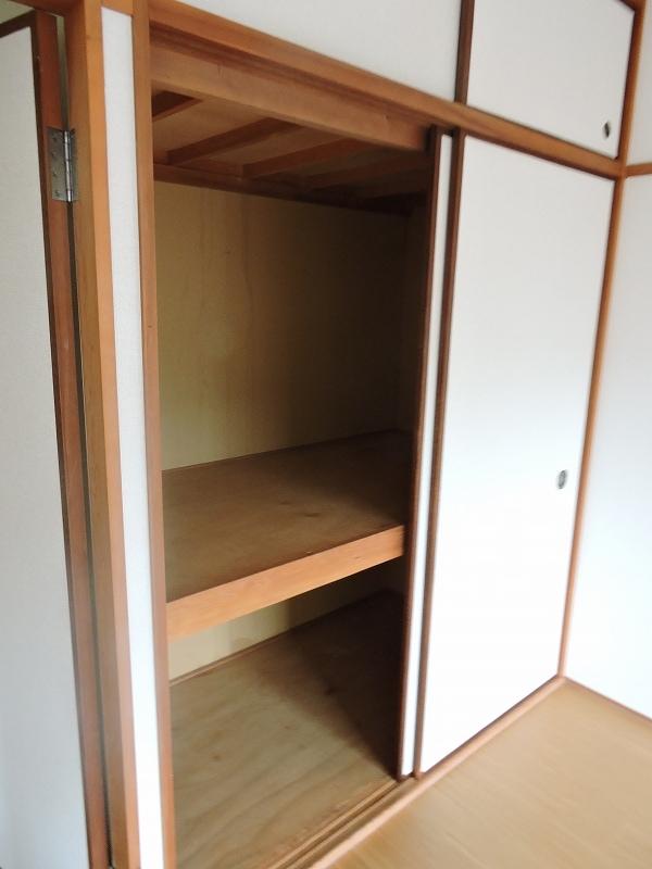ハイム・トシ 02070号室の収納
