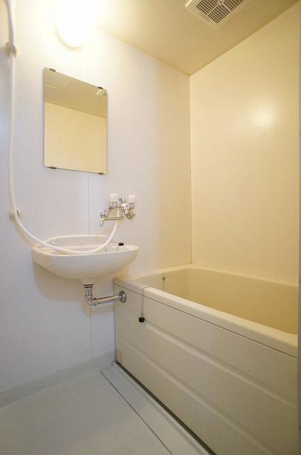 メゾンユキエ 02030号室の風呂