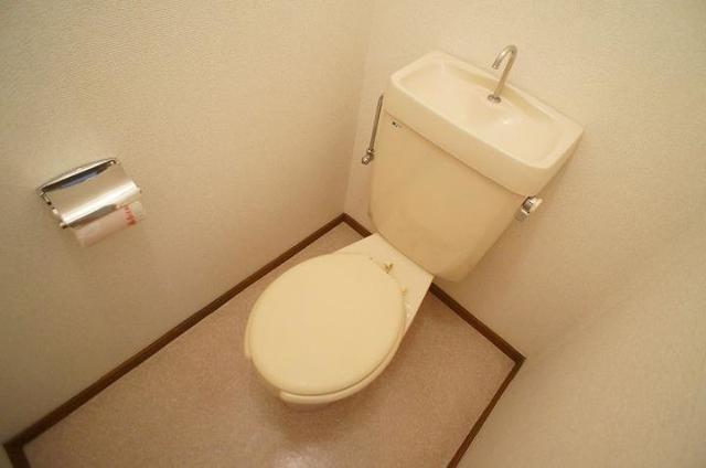 メゾンユキエ 02030号室のトイレ