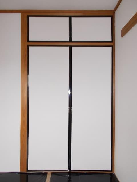 ピースファルハイツ 02050号室の収納