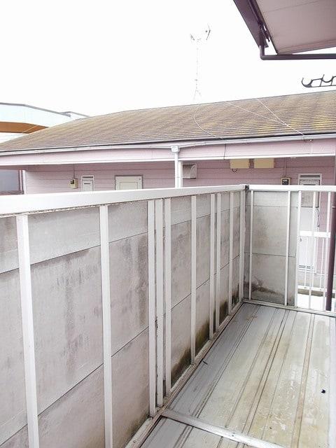 ピースファルハイツ 02050号室のバルコニー