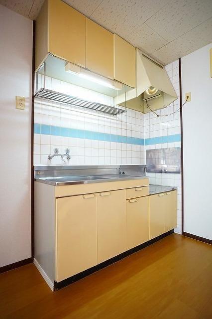 エルディム川島A 01030号室の居室