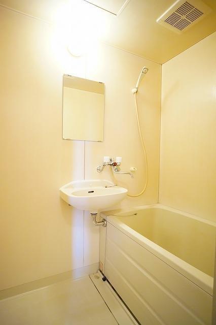エルディム川島A 01030号室の風呂