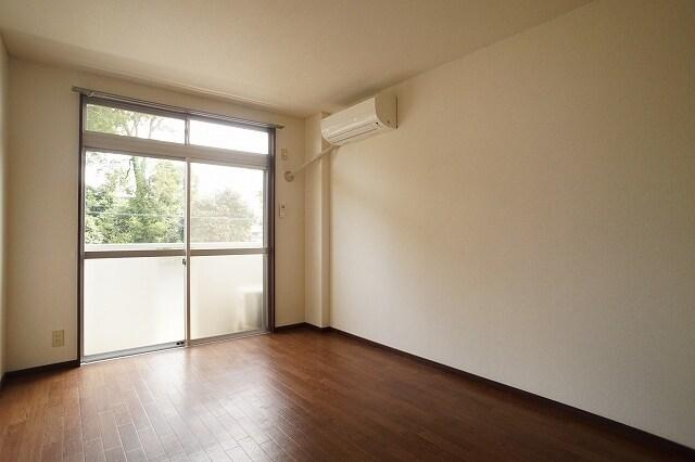 エルディム川島A 02010号室の居室