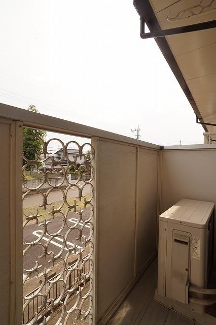 エルディム川島A 02010号室のバルコニー