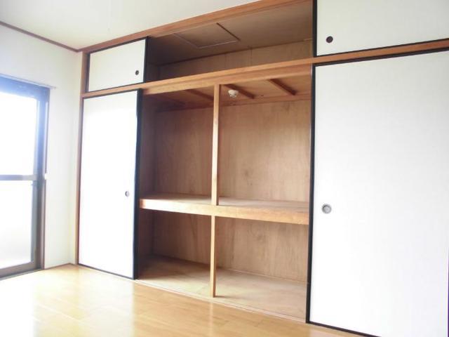 ニューマリッチ石川壱号館 03020号室の洗面所