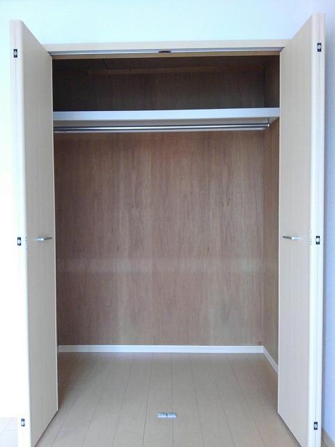 エルディムティンクル 206号室の収納