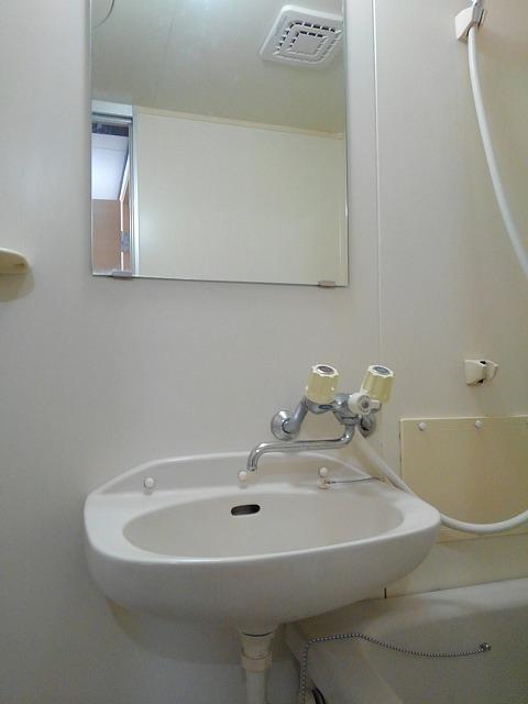 エルディムティンクル 206号室の洗面所