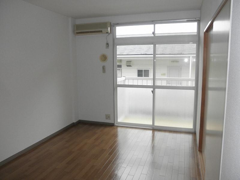 グリーンハイツこきぬ 02030号室の居室