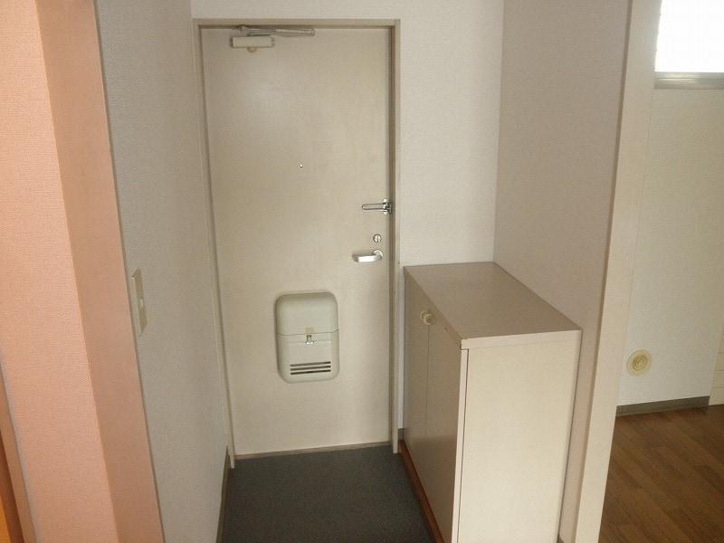 グリーンハイツこきぬ 02030号室の玄関