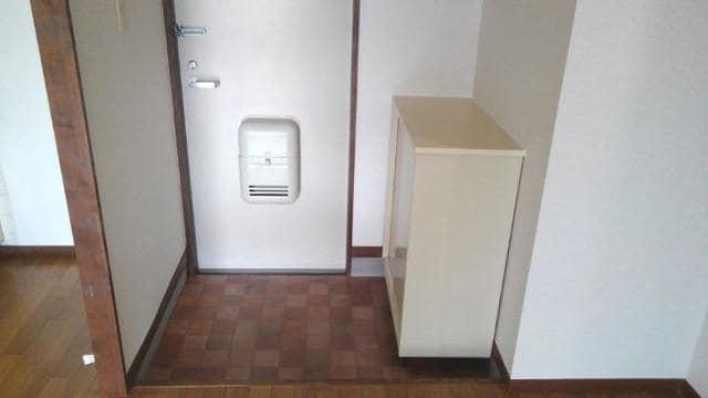 エルディム西A 01010号室の玄関