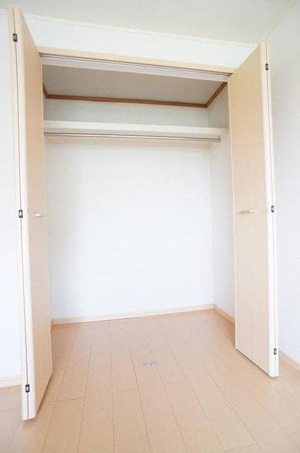 パークサイドB 02020号室の収納