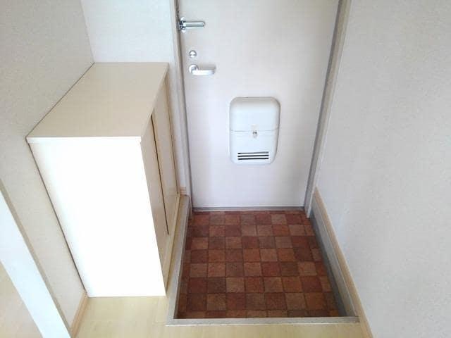 コー・メー・ハイム 01050号室の玄関