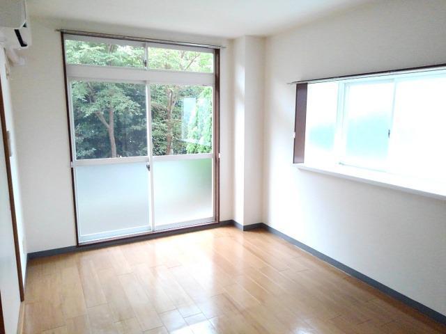 タムラハイツ 01050号室のリビング