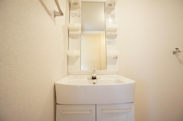 エトワール・カワナゴ 01040号室の洗面所