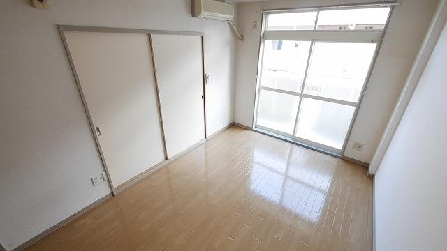ニューシティ大瀧Ⅲ 01010号室のリビング