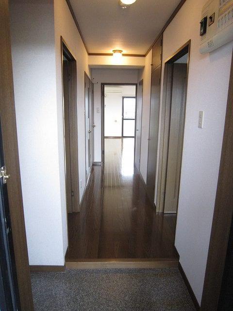 グランドバレー 03050号室の玄関