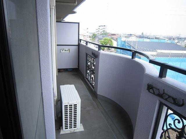 グランドバレー 03050号室のバルコニー