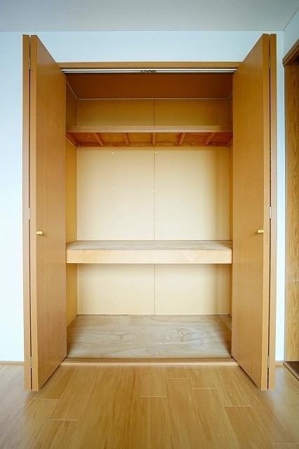 ニュ-エルディムHASHI 02040号室の収納