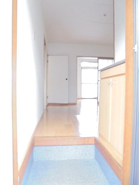 サニ-クレスト 01010号室の玄関