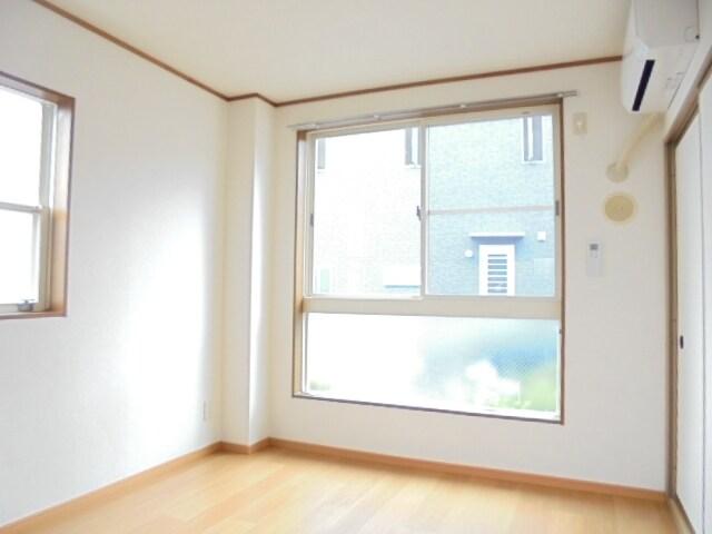 サニ-クレスト 01010号室の居室