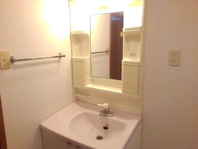 ビックランドⅢ 02020号室の居室
