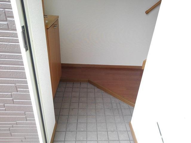 ビックランドⅢ 02020号室の玄関